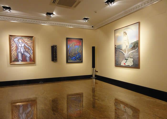 Stoa galeria de arte estepona malaga for Arte mueble estepona